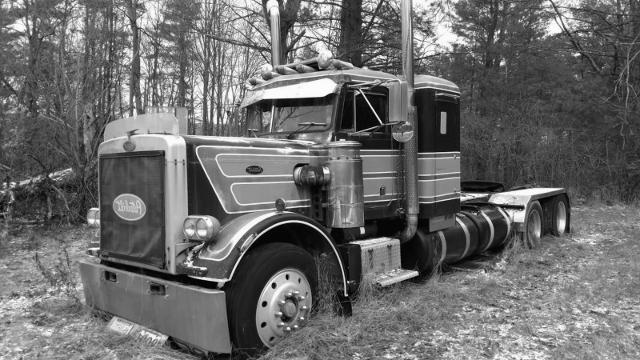 Peterbilt_359_truck